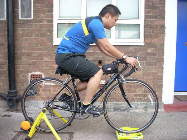 bicycle-saddle-covers-rain-5dd1f40434eb4