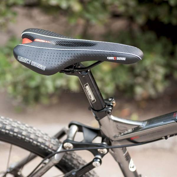 diy-leather-bicycle-saddle-bag-5dd1f46fce859