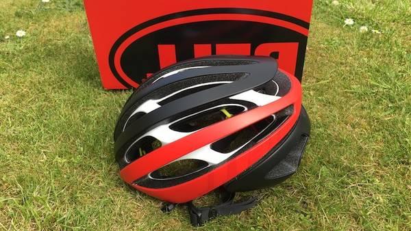 road-bike-helmet-with-speakers-5dd2b0e79708a